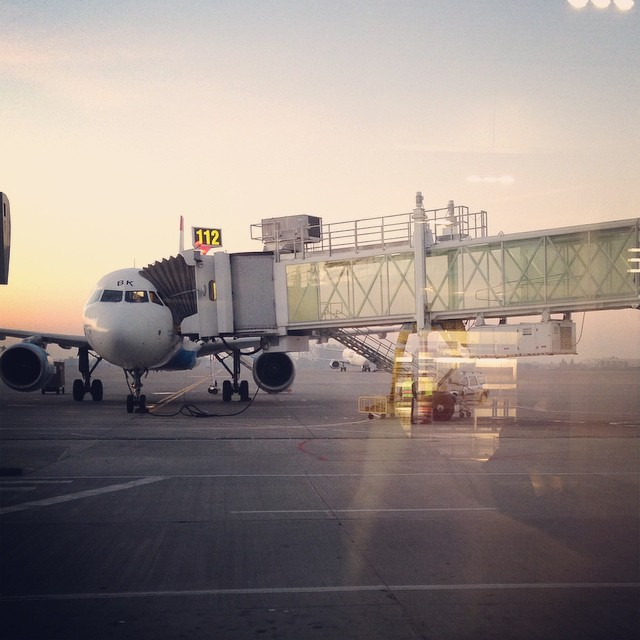 Always fly happy they say..let's be happy then. Good morning world #travel #traveller #lifemoments #lifeinpictures #iphoneonly #iphone #instagram #happymoments #airplane #airport #sunrise