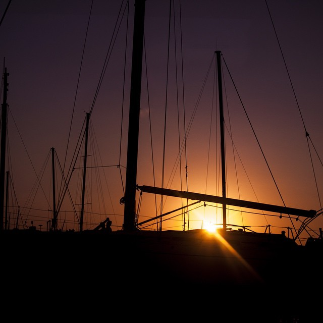 Sunsets over boats. Just #perfectmoments #photoofday  #lifemoments #lifeinphotos #sunset #nature #canon #instagram #ilovetravel #addictedtotravel #traveler #traveladdict #travelphotos #beauty #greece #happiness #serendipity