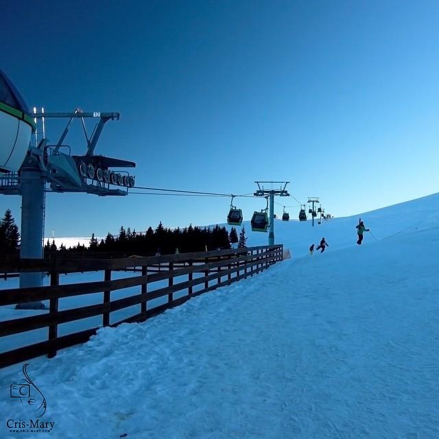 Winter time #winter #photography #photooftheday #ilovephotography #imadethis #snow #silentplace #nature #beautifuldays #bestmoments #canon #travel #traveler #mountain #romania #sky #fun